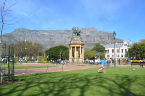 Eilir running in The Company's Gardens, central Cape Town